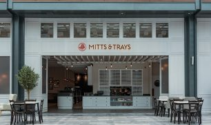 Mitts & Trays Restaurant and Cafe